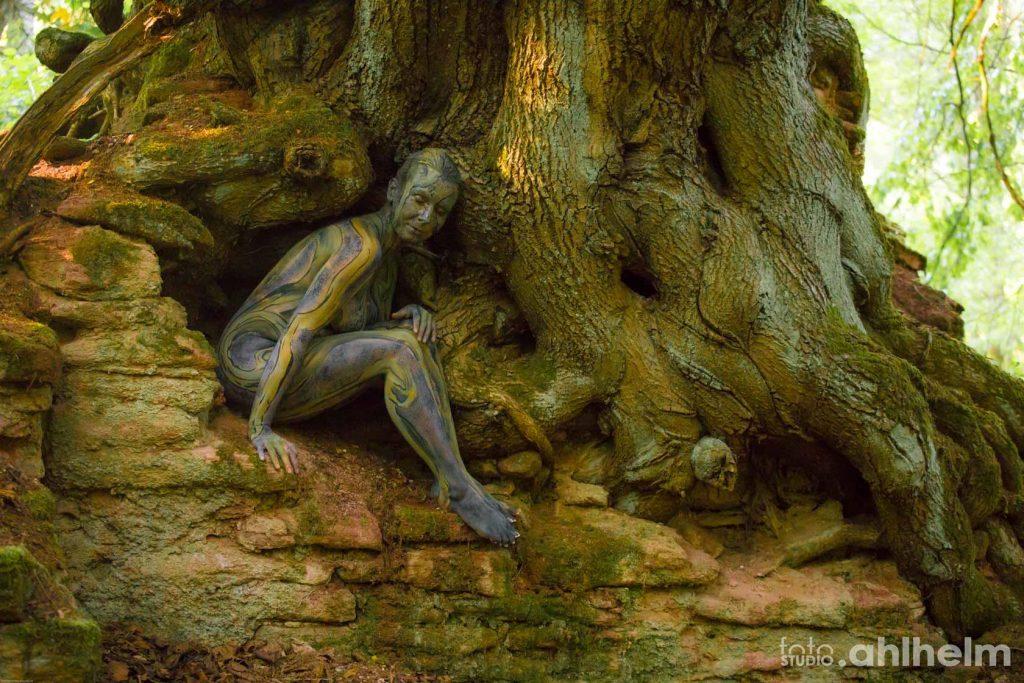 Fotostudio Ahlhelm Bodypainting Wald 2