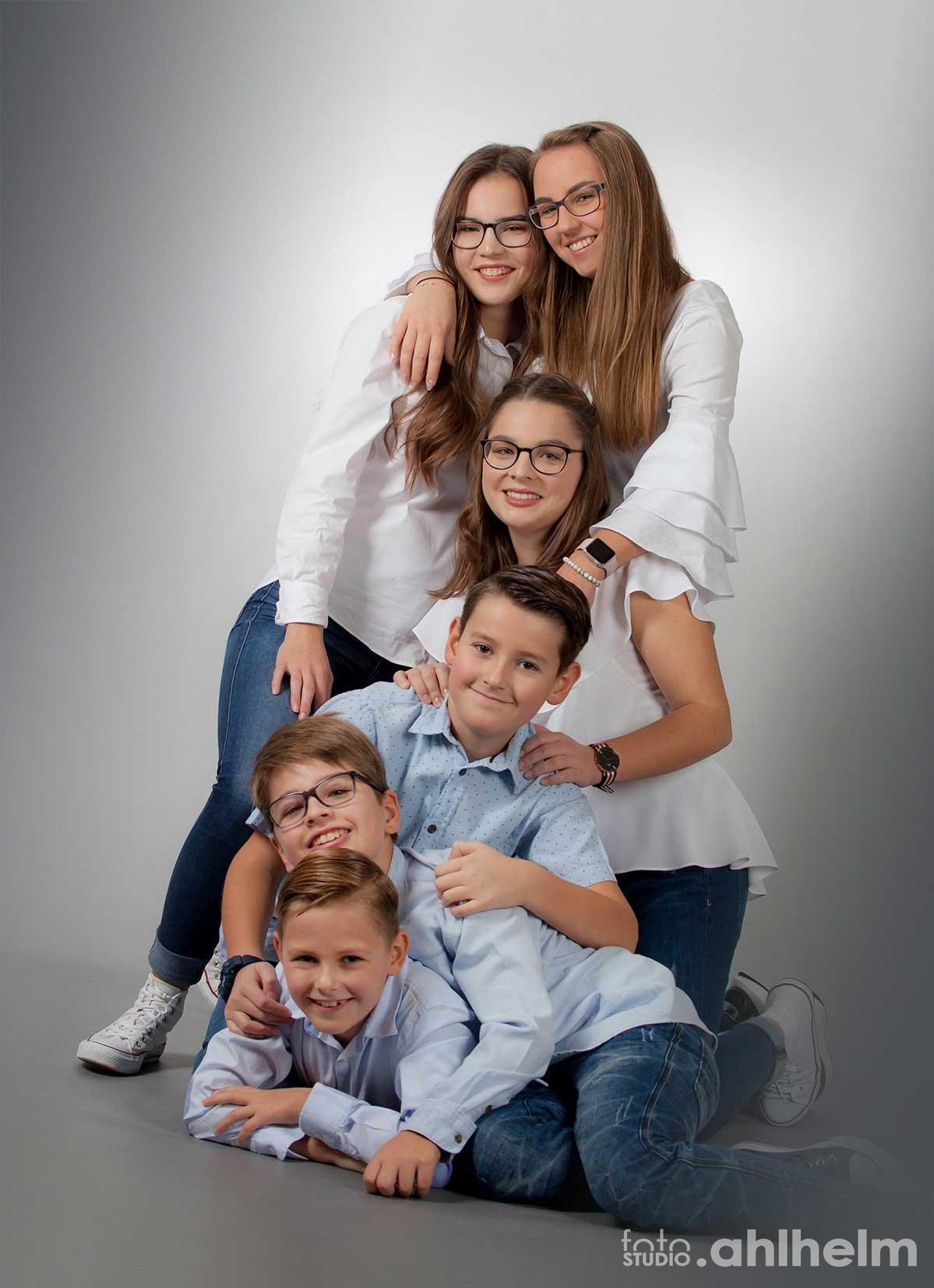 Fotostudio Ahlhelm Familie Studio alle zusammen