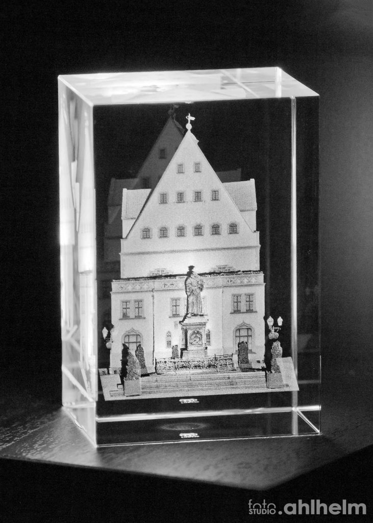 Fotostudio Ahlhelm Geschenkideen 3D Laserfoto im Glasblock