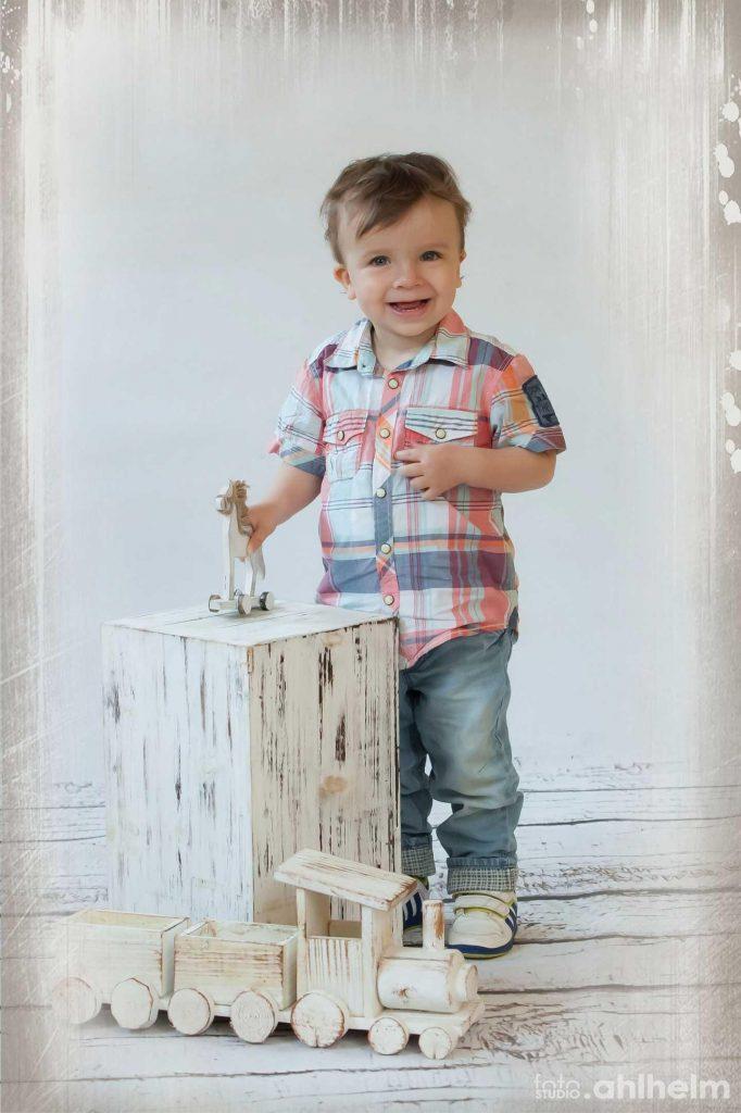 Fotostudio Ahlhelm Kindergarten Vintage Hocker