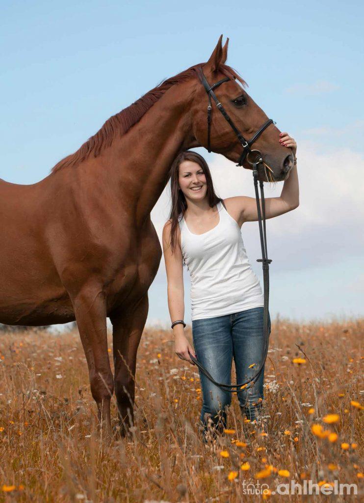 Fotostudio Ahlhelm Tiere Outdoor mit Pferd