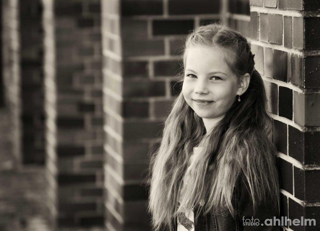 Fotostudio Ahlhelm outdoor Mädchen Portrait